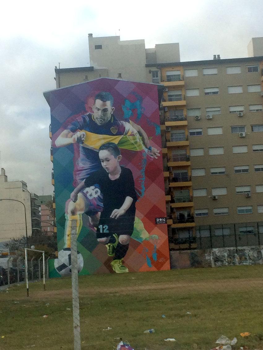 Esse grafite é enorme e muito legal!