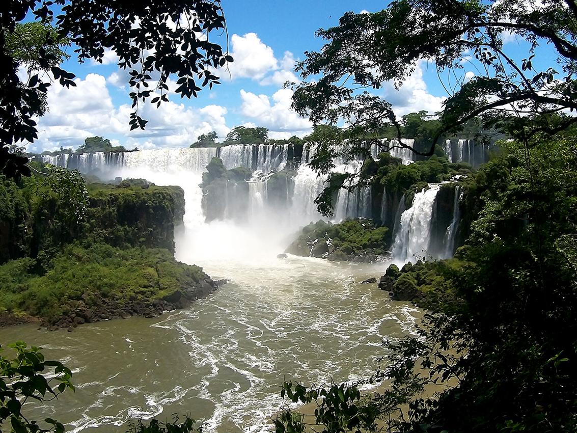 Como-é-o-Parque-das-Cataratas-do-Iguaçu-do-lado-argentino